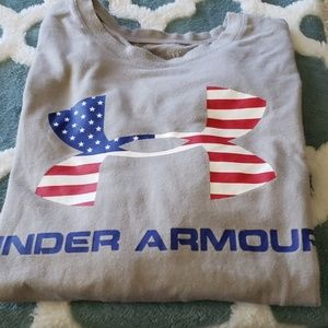 Under Armour gray t-shirt size L